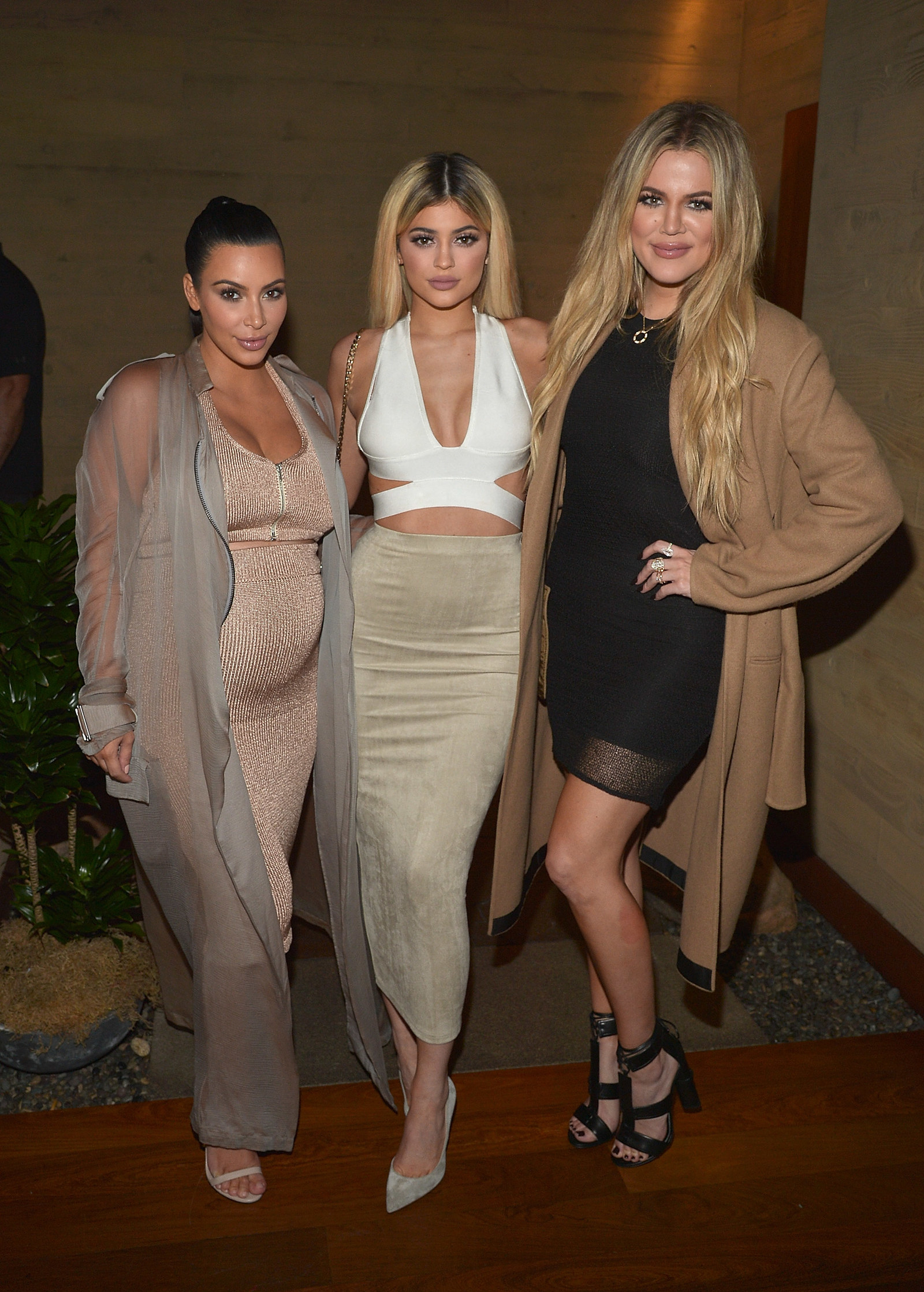 Khloé Kardashian Just Explained Why People Think They Can See A Baby Bump In This Pic