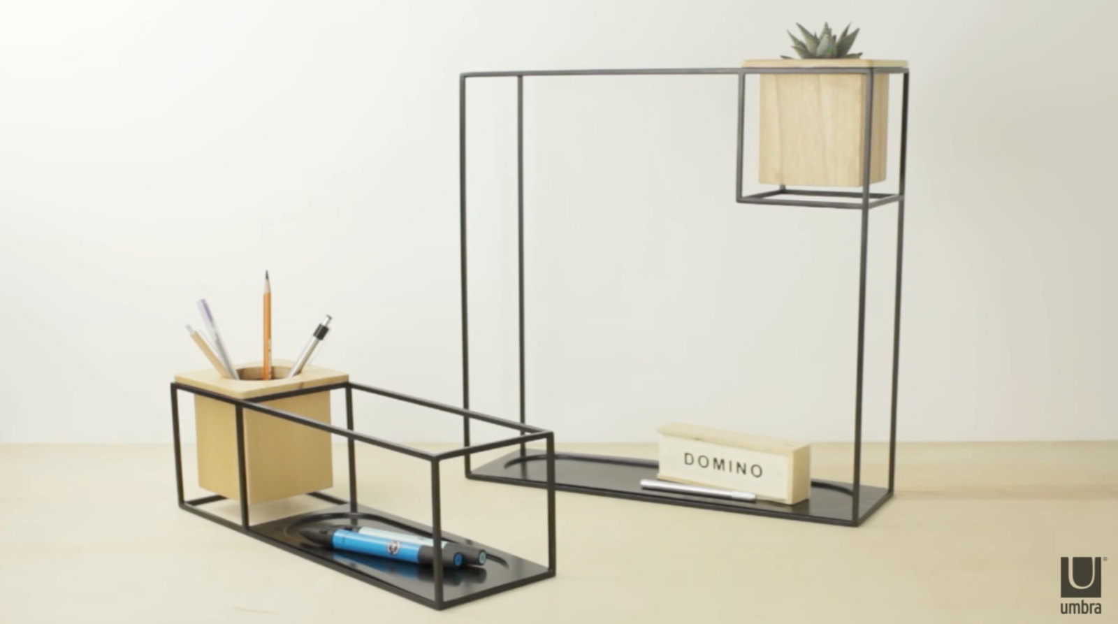Umbra Cubist Wandrek : Interior tip wall shelf cubist large black umbra axeswar