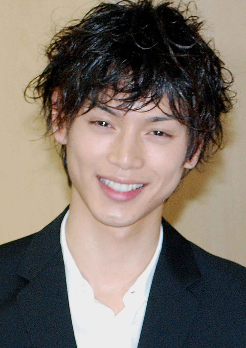 イケメン俳優の代表格だった水嶋ヒロさんは\u2026\u2026天道総司として仮面ライダーカブトに。