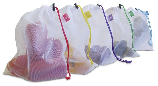 A set of reusable plastic-free mesh produce bags for keeping fruits and veggies organized and fresh. You can also bring them to the grocery store to replace disposable plastic produce bags.