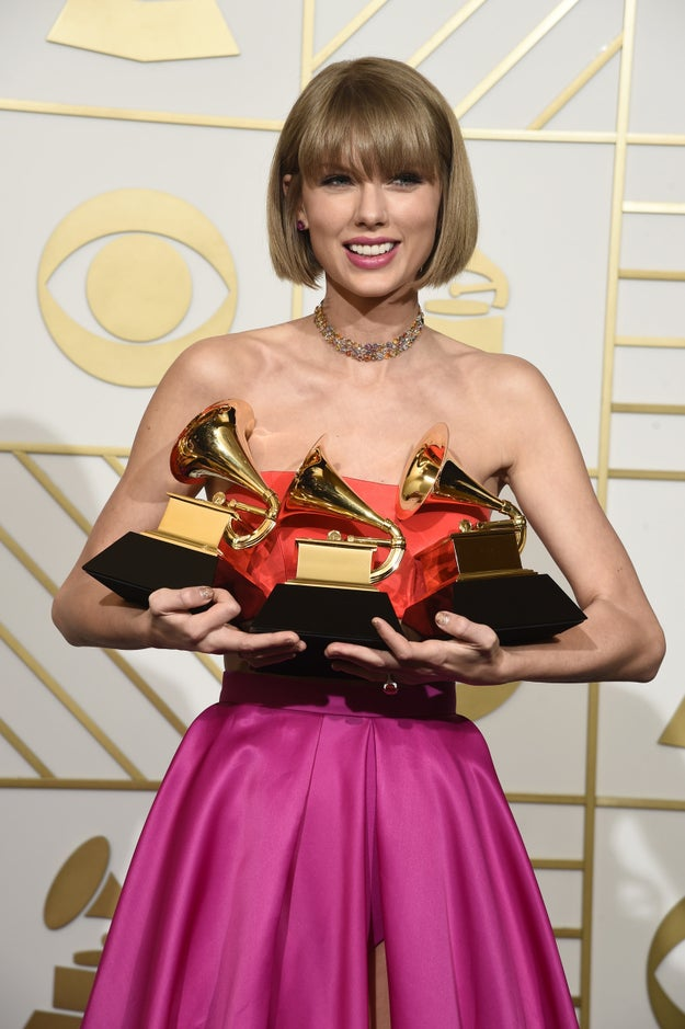 And 1989, the album that casually consisted of 13 full-blown bops and won Album of the Year at the Grammys, sold 1,287,000 units.