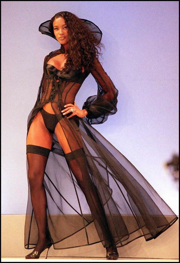 And here's the greatest supermodel of all time (AHEM, NAOMI CAMPBELL) giving life to this vampire-looking lingerie set.