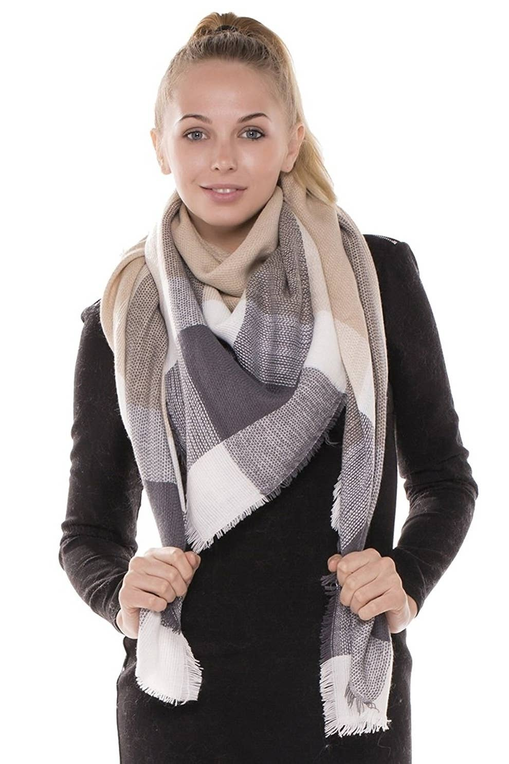 2ed81638e1633 35 Super Cozy Scarves That'll Cancel Your Fear Of Cold