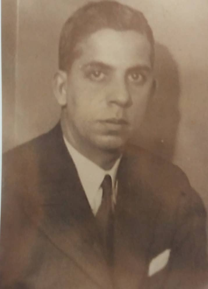 A young Muhammad Sulaiman Jetha, a member of the East London Mosque-based Jamiat ul Muslimin. As chairman, he welcomed worshippers into the newly built mosque in 1985.