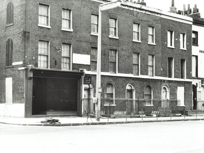 In 1940, three houses were purchased in Commercial Road, London E1. The converted houses opened as the East London Mosque and Islamic Cultural Centre on 1 August 1941. Around 400 worshippers would use the prayer hall, with other spaces being devoted to use as a hostel for Muslim sailors.