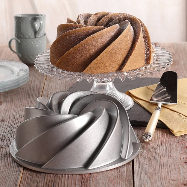 A traditional Bundt tin to perfect this beautiful sponge.