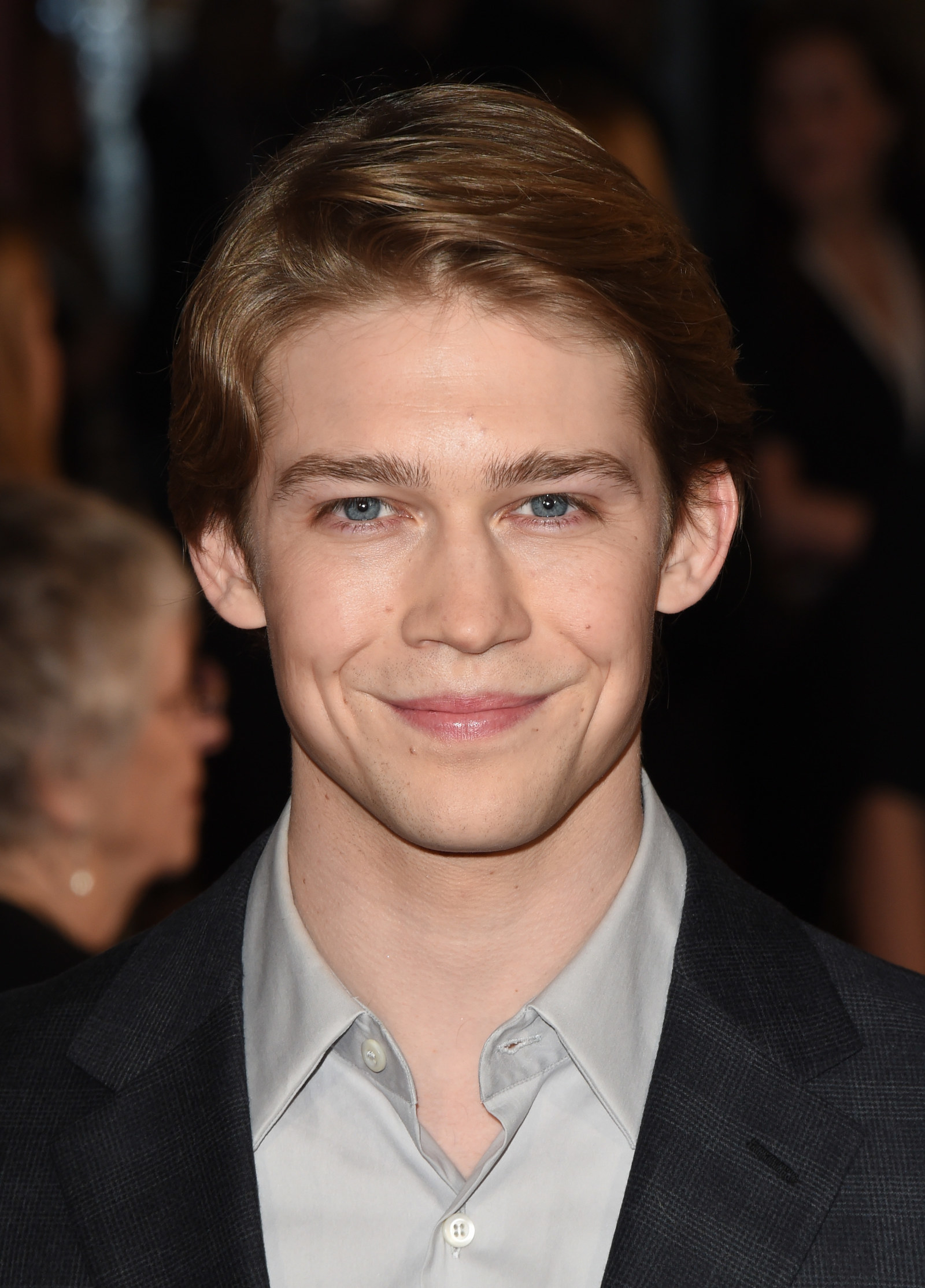 27 September 2018 Joe Alwyn news gossip photos of Joe Alwyn biography Joe Alwyn girlfriend list 2016 Relationship history Joe Alwyn relationship list Joe