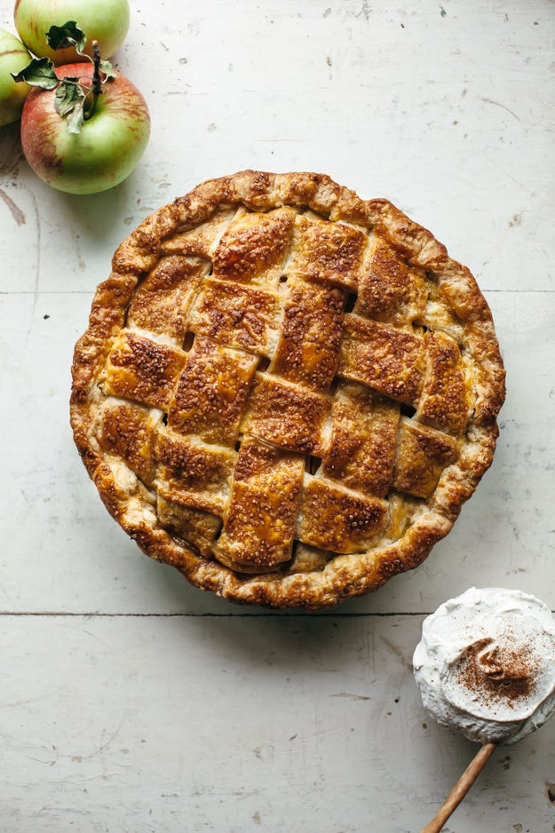 Hawaij Apple Pie With Cardamom Whipped Cream