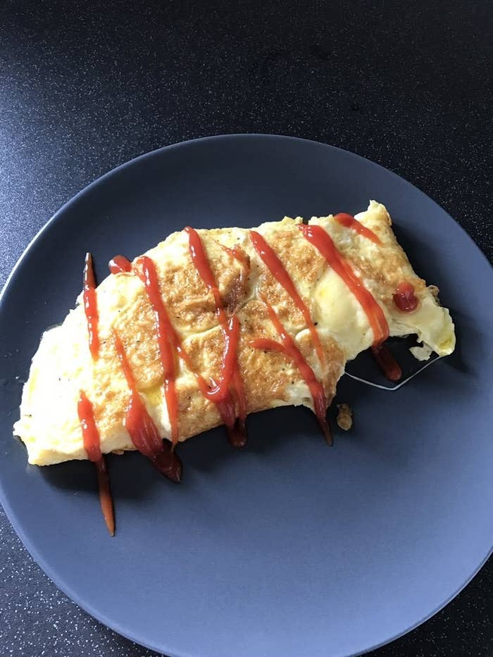 It doesn't go with omelette, although it does go with scrambled eggs, idk, that's just how it is.