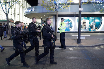London's Oxford Circus Tube Station Has Reopened After Police Stand Down