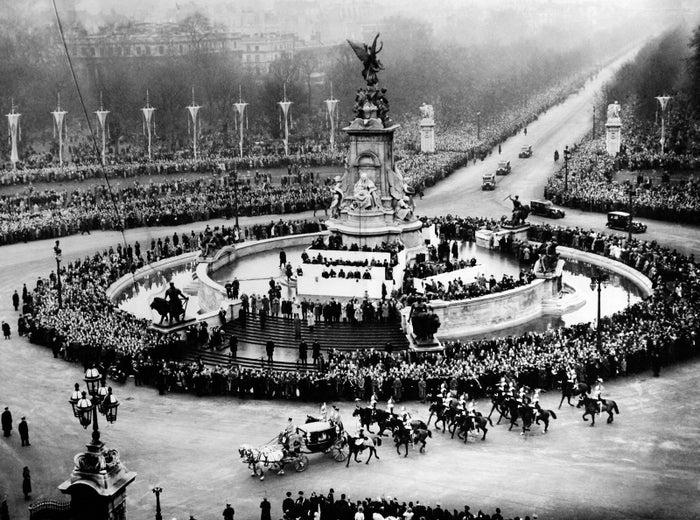 Princess Elizabeth and the Duke of Edinburgh return after the ceremony in London on Nov. 20, 1947.