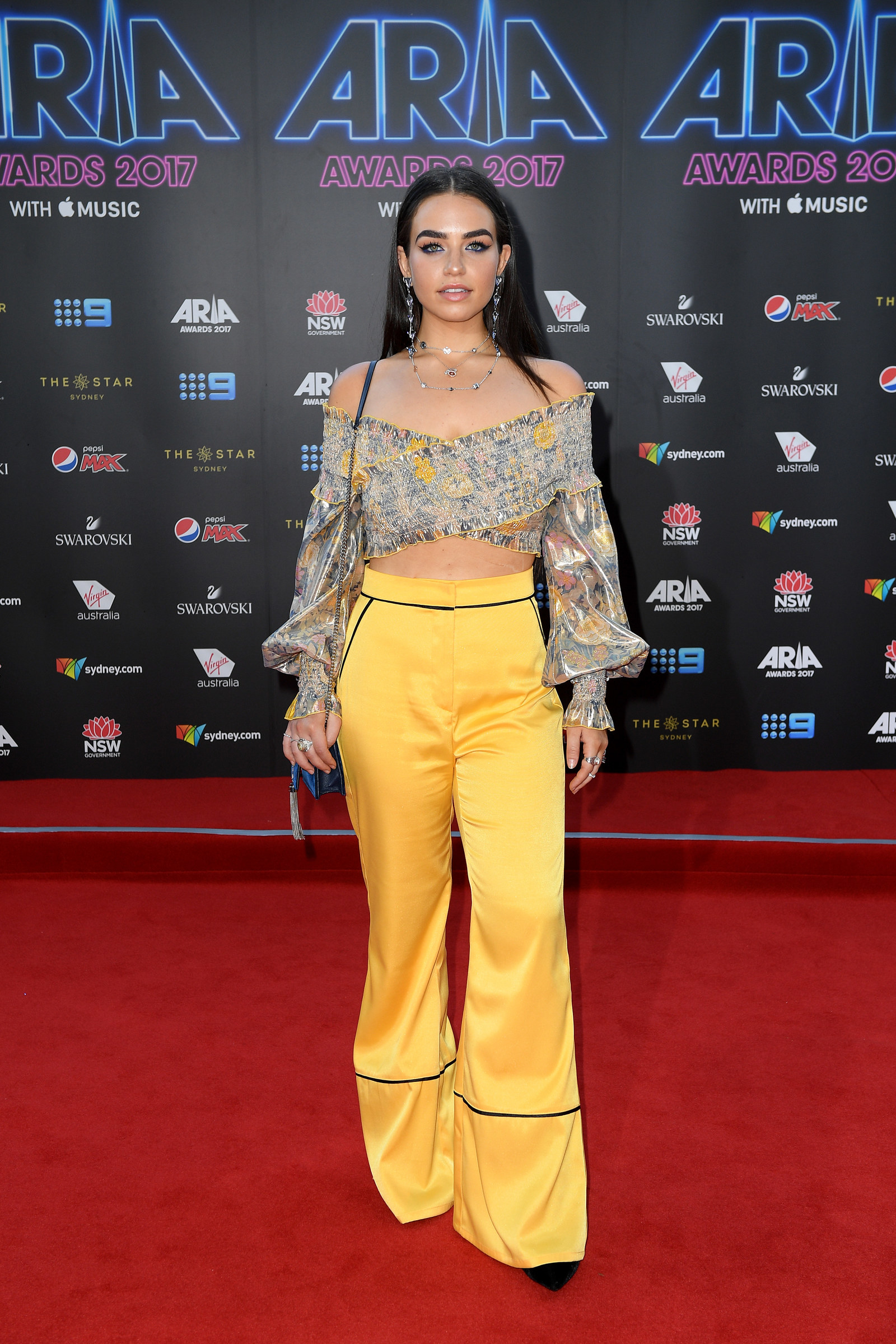 Here are all the red carpet looks from the 2017 aria awards - Sylvia dare to diy ...