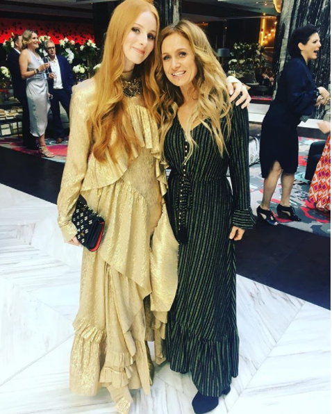 And Kasey Chambers and Vera Blue showed they were the queens of long frocks: