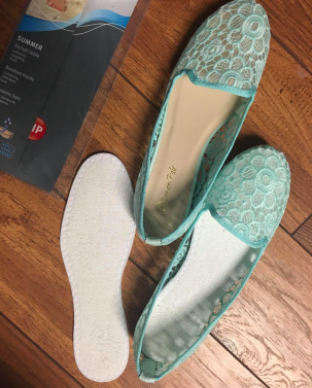 85c20ba415d9 A pair of washable cotton terry insoles for absorbing the puddles of sweat  your feet produce. No sweat