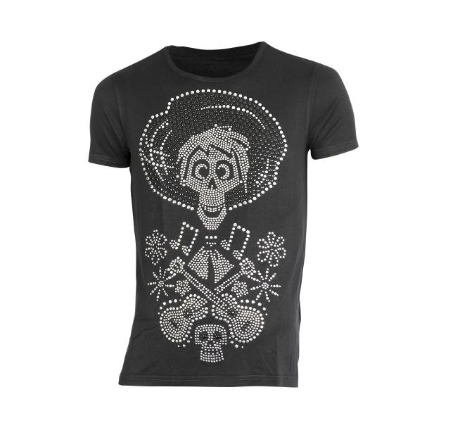 La colección ya se puede conseguir en las diferentes tiendas de ¡Ay güey!, así como en su tienda en línea.