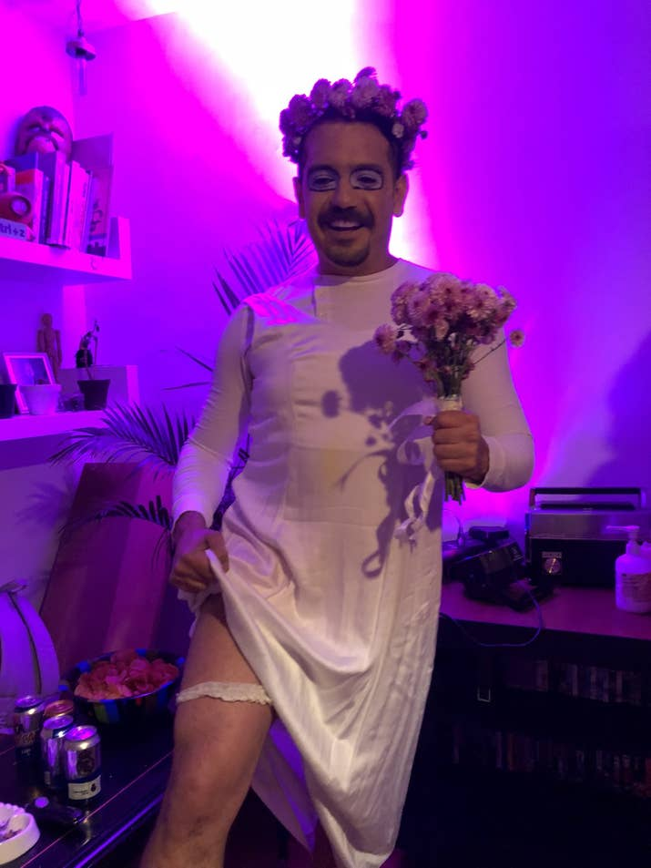 Esta fiesta de disfraces de memes en México te hará desear que ya ...
