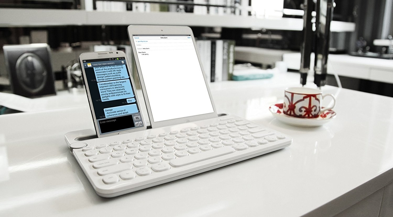 This Bluetooth Keyboard Basically Turns Your Phone Into A Laptop And It S Never Leaving My Side