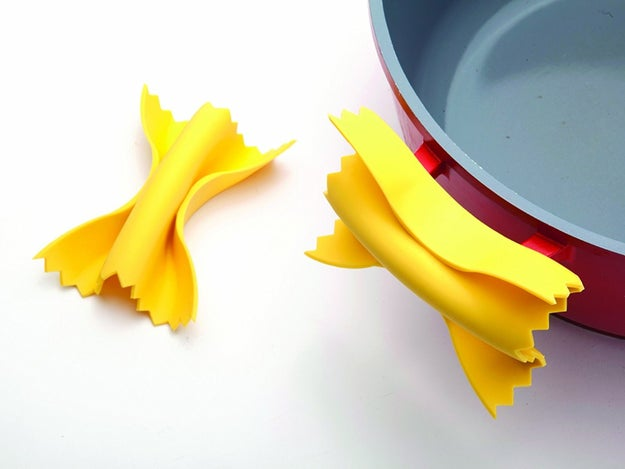 A pair of cute and functional pot grippers that look even more delicious than the real pasta you're serving for dinner. They're worth every ~penne~... or rather, farfalle.