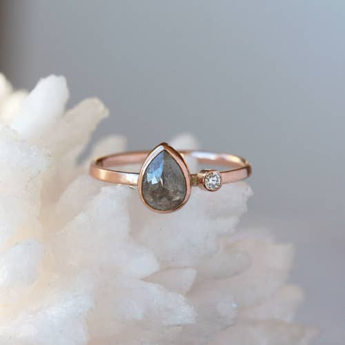 ef68ac0a3308e 25 Of The Best Places To Buy An Engagement Ring Online