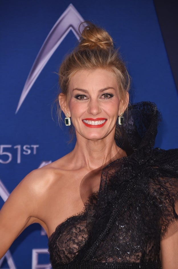 And at the CMA Awards this year, she was looking flawlessly beautiful (per usual).