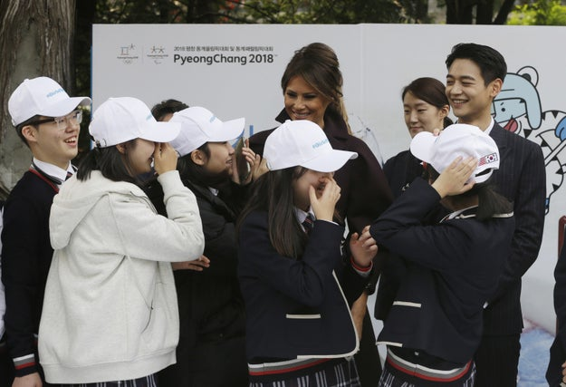 Afterwards, Trump and Choi posed to take photos with the middle school students.
