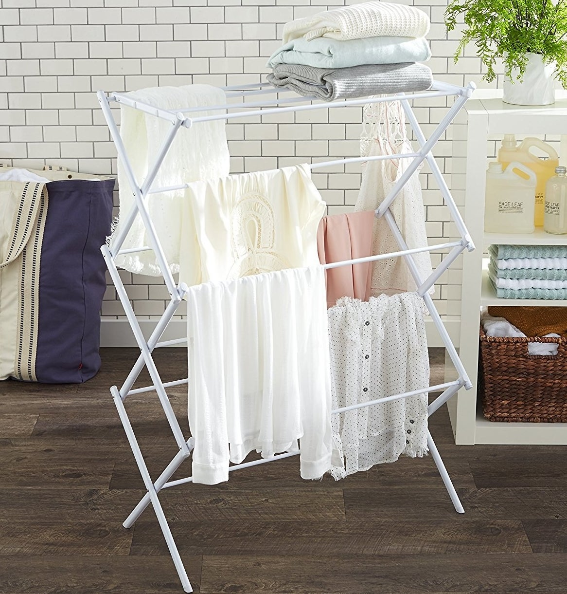 23 things that 39 ll help you get the laundry room of your dreams - Laundry drying racks for small spaces property ...
