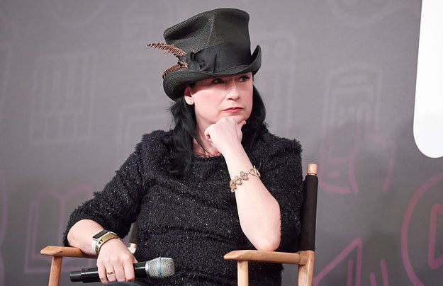 And also just in case you didn't already know, Mrs. Maisel has the same series creator as the beloved show Gilmore Girls, the brilliant Amy Sherman-Palladino.