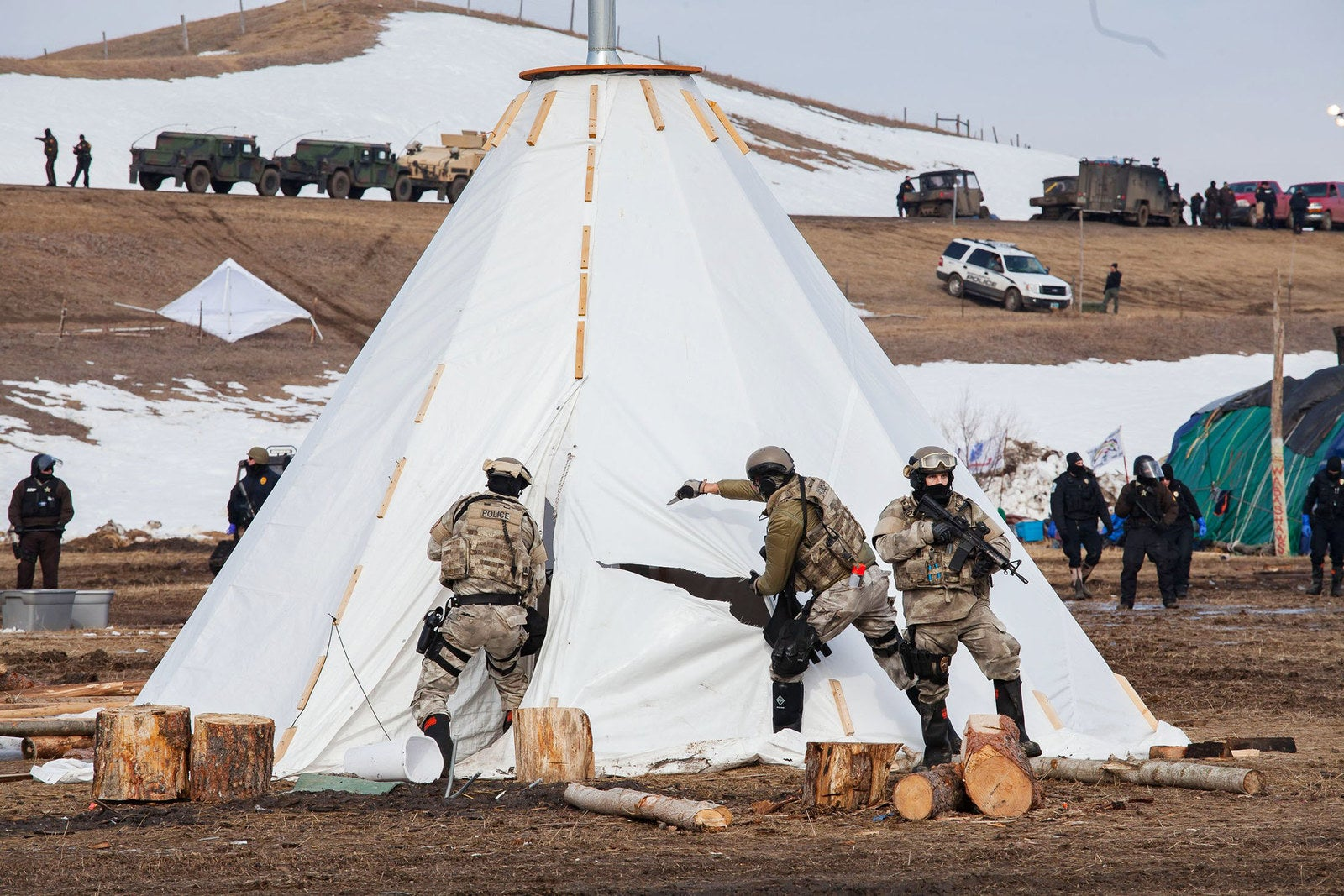 Police move in to clear the Oceti Sakowin camp at the Standing Rock protest site in North Dakota on Feb. 23.