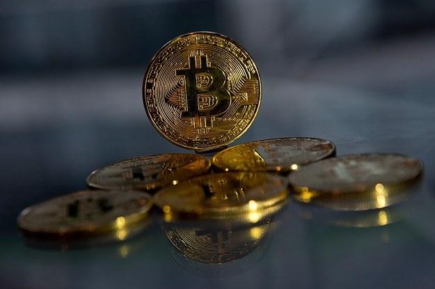 bitcoin hamisítvány kereskedelmi bitcoin pénzt keres