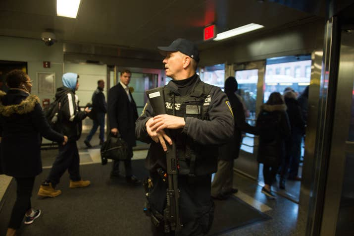Afbeeldingsresultaat voor explosion at Times Square subway