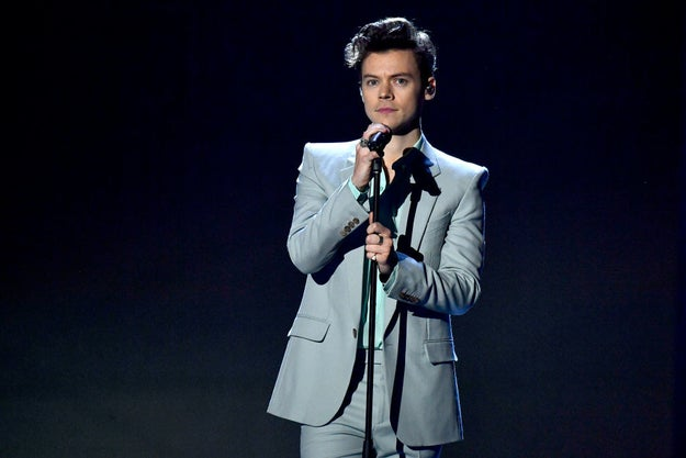 And surely everyone knows previous One Directioner turned solo act Harry Styles, right?