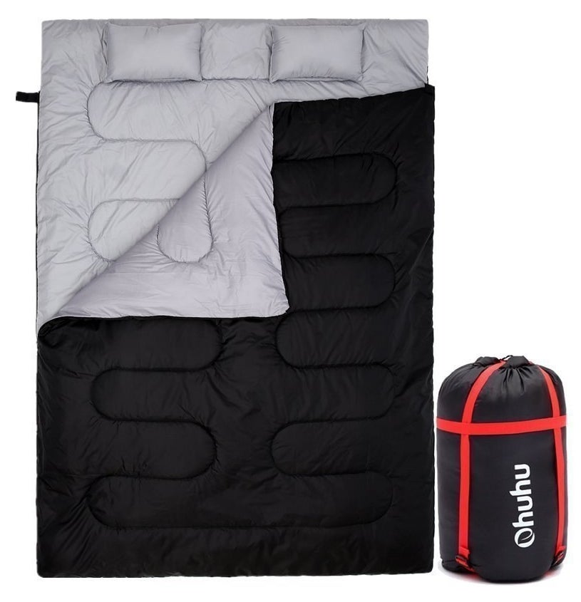 the sleeping bag with a carrying bag