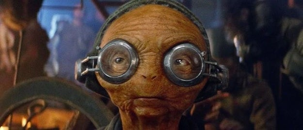 """What is this """"camera"""" that Maz is using that tracks/follows her as she's running around dealing with Union disputes while talking to Poe/Finn/Rose?"""