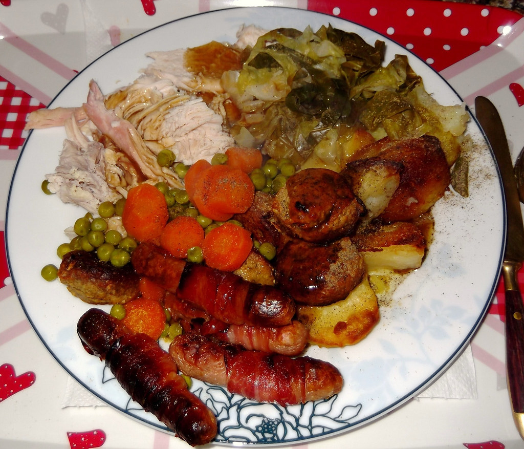 This Is What Christmas Dinner Looks Like In 19 Different