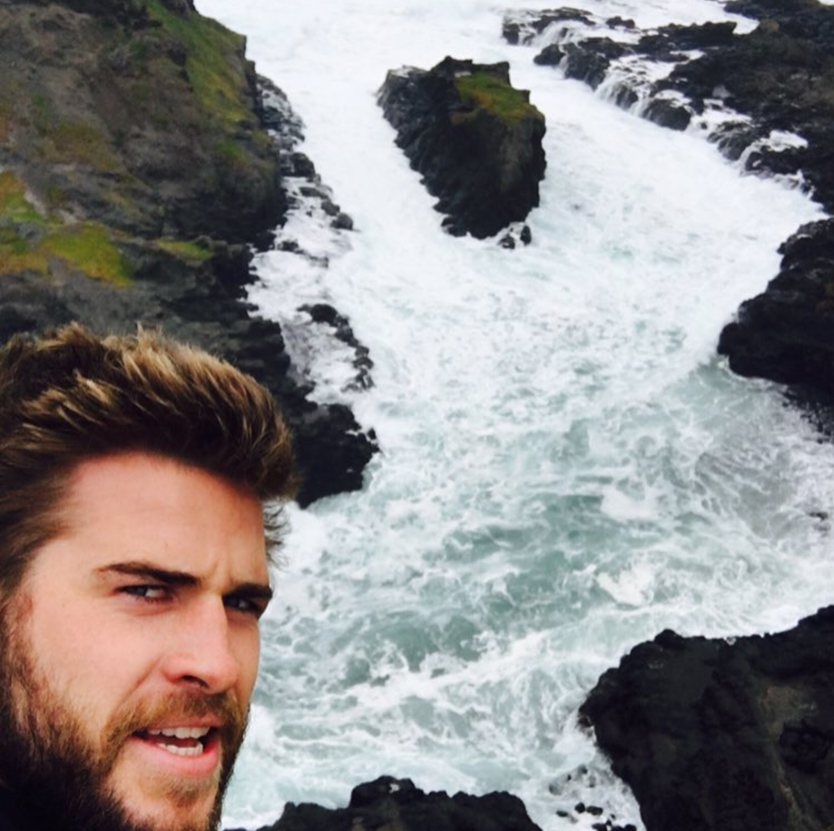 Picking up where Chris Hemsworth 32 and Liam Hemsworth 26 left off the oldest Hemsworth Luke 35 recently joined in on the faux Instagram feud