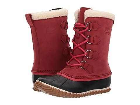 4999bf685e3df 34 Winter Boots That'll Actually Keep Your Feet Warm