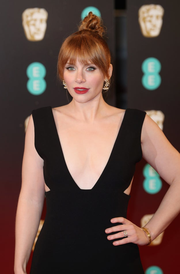 On the 2016 Golden Globes red carpet, Bryce Dallas Howard told Giuliana Rancic that she likes to buy her own gowns from the department store so that she has a lot of size 6 options, as opposed to the one that designer showrooms may or may not have.