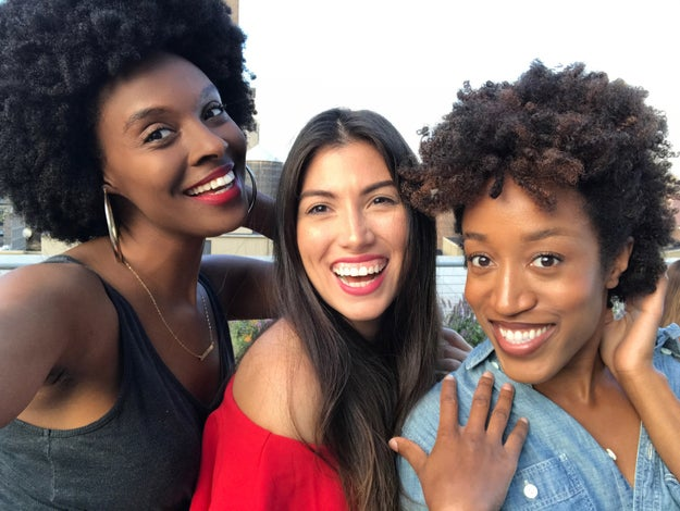 Washpoppin, beauty lovers??? 😝 Patrice, Daniela, and Essence, BuzzFeed's beauty team, here. Because we get SO many products, we wanted to let you all know our absolute favorites for 2017!
