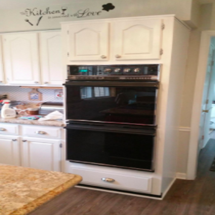 reviewer pic of double ovens in black hue