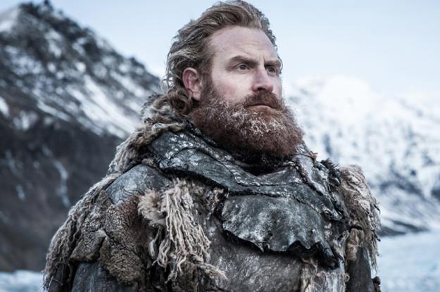 Si Jon Snow ne sait rien, Tormund lui sait TOUT. Après l'avoir regardé diriger les Wildlings pendant deux saisons, qui mieux que lui allez-vous placer sur le trône de fer? Personne. Le spin-off qu'on aimerait voir: une série sur lui et Brienne qui s'appellerait Des gens grands sur un grand mur.