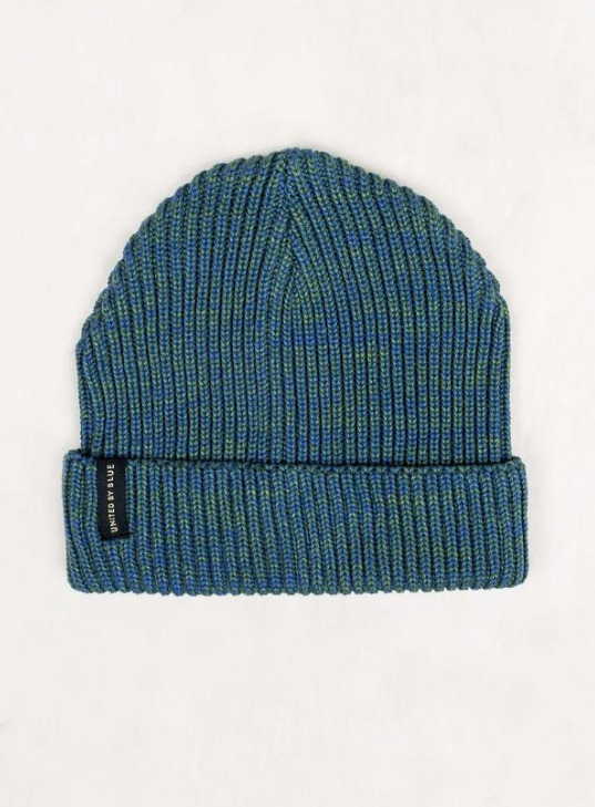 8f6fb5f6723 A warm beanie for winter made from recycled polyester.
