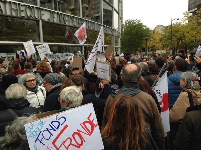 Le 18 novembre, un rassemblement pour soutenir la BMD était organisé devant ses locaux.