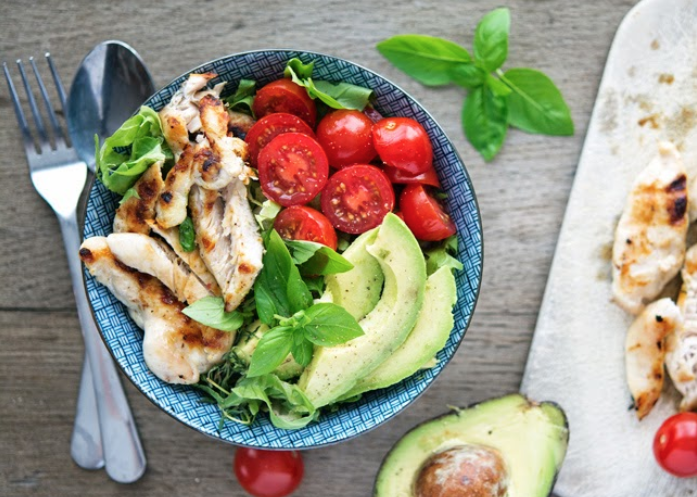 Get the full list at 23 Low-Carb Lunches That Will Actually Fill You Up.
