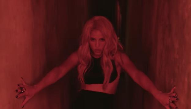 """""""Chantaje"""" by Shakira & Maluma"""