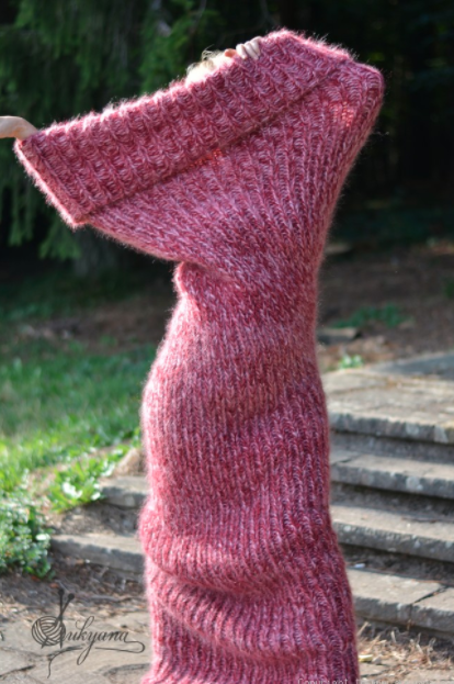 Fully commit to this new lifestyle and get this CHUNKY MOHAIR TUBE SCARF in a bunch of different colors.