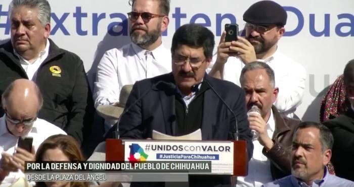 De acuerdo con el gobernador por el PAN, el Gobierno federal ha emprendido una revancha en contra del Estado a través de la Secretaría de Hacienda, pues se ha negado a transferirle recursos ya comprometidos a menos que cese la petición para detener a Duarte y más personas acusadas de corrupción en Chihuahua.