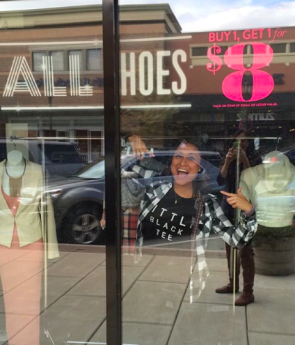This worker, who just wanted to take a pic at work and failed: