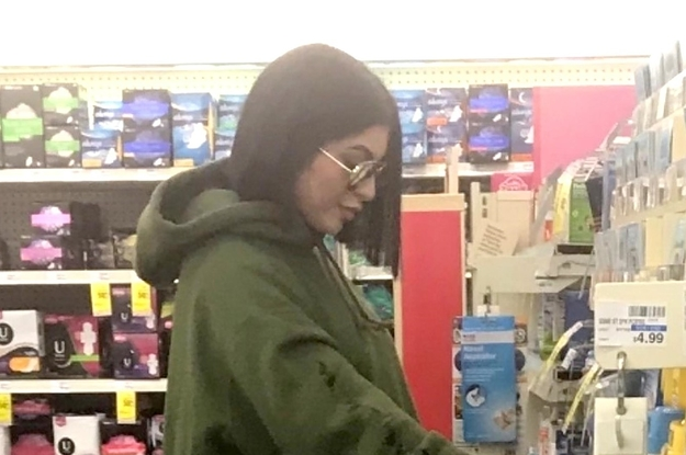 Is This Actually ~Pregnant~ Kylie Jenner In CVS Or Not? An Investigation.