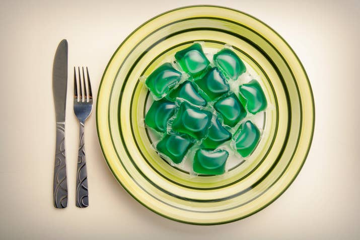 """It should be obvious that the stuff inside laundry detergent pods isn't good for you. But how does it actually affect the body and what are the health risks? We spoke to Jana L. Anderson, pediatric emergency medicine physician at the Mayo Clinic in Rochester, Minnesota, to find out.First things first, what's inside these things? Laundry detergent pods, or single-load laundry packets, are full of various chemicals compounds, such as surfactants, which are great at cleaning clothes but not great for your body. Unlike regular liquid detergent, which typically just causes mild stomach upset, pods contain a highly concentrated liquid inside. So that little packet can do a lot more damage. """"What's inside the pod will depend on the type —some have softener or bleach —but most are full of a very alkaline detergent,"""" Anderson tells BuzzFeed News. Although Tide Pods are the most popular, we're talking about any laundry detergent pod here. They're made by many other brands, such as All and Gain, and there are also generics. (Note: Anderson did not comment on any specific brand.)"""