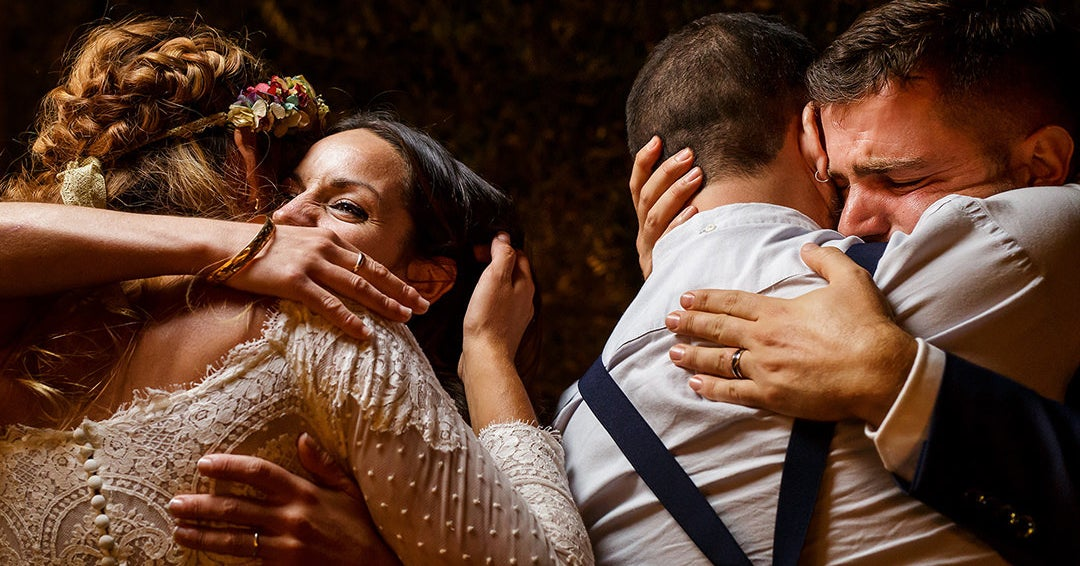 These Are The Best Wedding Photos Of 2017 And They're Stunning